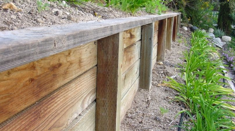 retaining wall made from sleepers